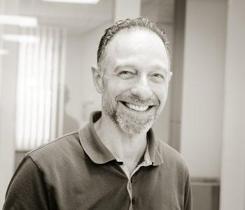 Raphael Spera aan het werk bij Tandartspraktijk Brunssum - EMMA tandartsen